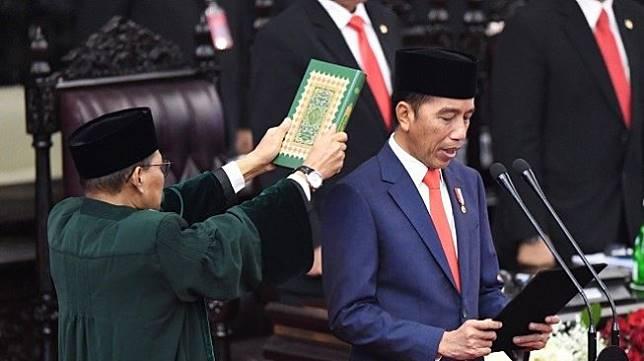 Joko Widodo atau Jokowi saat diambil sumpah sebagai Presiden RI 2019-2024. (Antara)