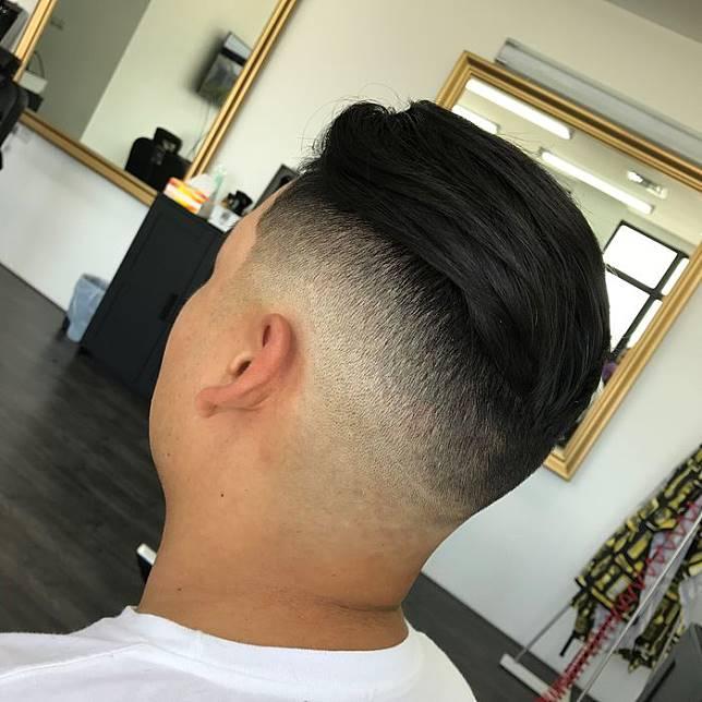 See detail. Anda bisa mendapatkan gaya rambut ... 20a6f367db
