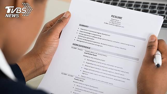 求職者如何呈現履歷表的內容,將是影響錄取的關鍵原因。(示意圖/TVBS)