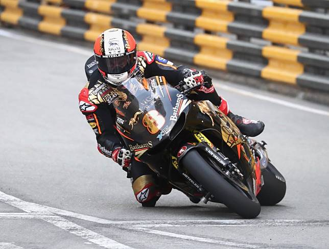 Macau Motorcycle Grand Prix cancelled: Peter Hickman and Michael Rutter exchange lead as race stops twice for crashes