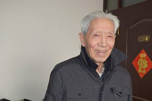 DR. Jiang Yanyong yang berani mengungkap kebohongan dan mengungkit kasus pelanggaran HAM 1989 di Alun-alun Tiananmen, Tiongkok.*