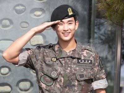Kim Soo Hyun Ingin Dirikan Agensi Independen dengan Sepupunya