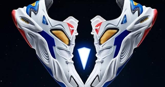 《機動戰士鋼彈》合作球鞋+T恤開放預購,把初鋼和薩克穿上身