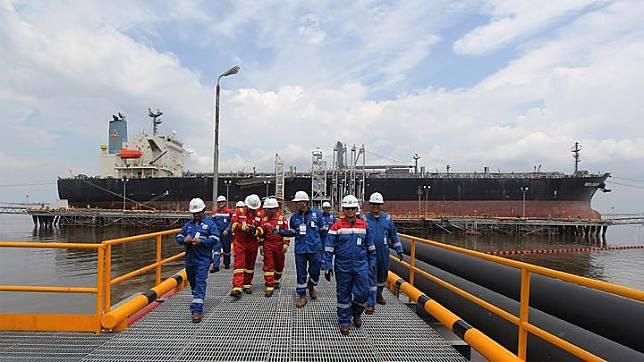 Oil Wharf Terminal of PT. CPI Port in Dumai, Riau, Tuesday, January 15, 2019.  ANTARA FOTO/Aswaddy Hamid