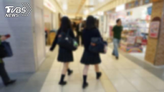 15歲的少女正是青春無敵的年紀。(示意圖/TVBS)