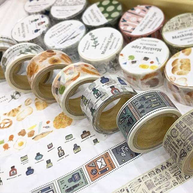 紙膠帶不但可用作裝飾,它還可變作紙膠帶籤詩,現場抽一次200日圓(約HK$14)。(互聯網)