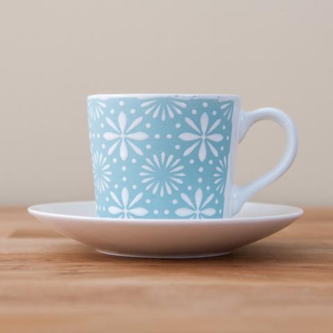 ‧色澤粉潤、花面有凹凸立體感‧杯口寬大,方便清洗‧陶瓷製成,堅固耐用