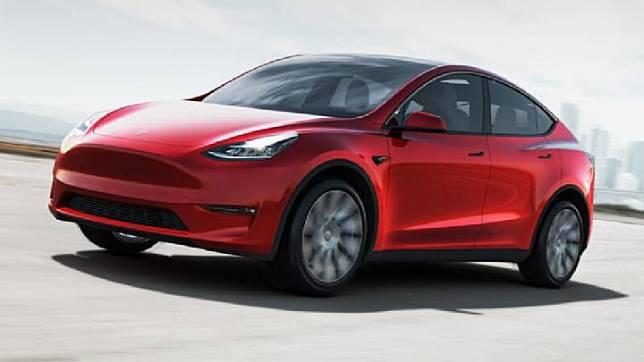 Mobil listrik Tesla Model Y akan hadir dalam model terbaru 2020, dengan performa yang apik. Tesla Model Y dapat berakselerasi dari 0 - 96,5 km/jam dalam waktu 4,4 detik, berdaya jangkau 508 km yang dibanderol dibanderol 54.190 dolar atau sekitar Rp 784. Tesla.com
