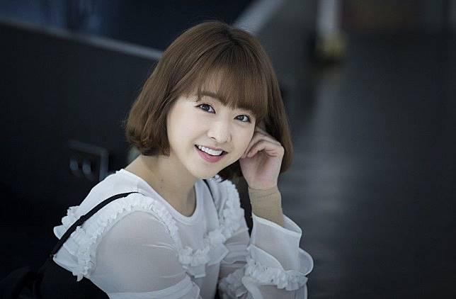 6. Potongan pendek ala Park Bo Young akan membuatmu terlihat lebih muda  dari usia aslimu lho f3c2a16a2a