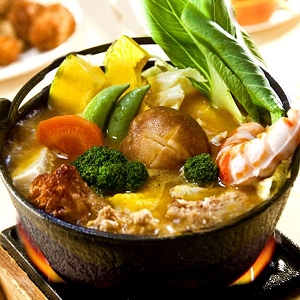 金黃濃郁的南瓜,配上淡淡的椰香,多樣食材精心熬煮,蘊育出健康的美味,讓您體會食物的鮮美原味與純香