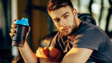 健身後30分鐘一定要喝高蛋白?你該認識的「代謝窗口」理論