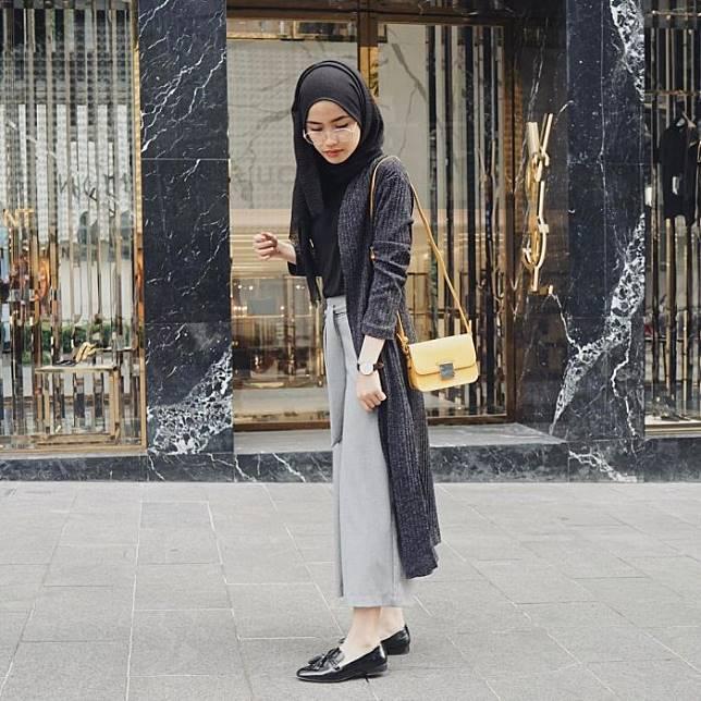7 Inspirasi Mix And Match Outer Cardigan Ala Selebgram Hijab Yang