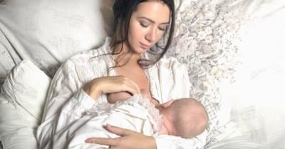 Sữa mẹ cạn dần, thiếu dưỡng chất, con bú khóc ngặt nghẽo vì 10 sai lầm quen thuộc