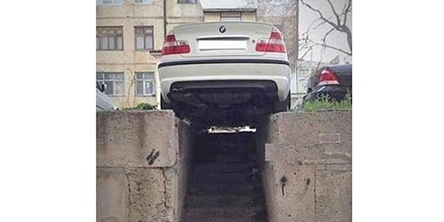 Tempat parkir mobil ajaib (Liputan6.com)
