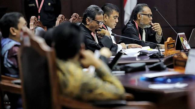 Suasana sidang lanjutan Perselisihan Hasil Pemilihan Umum (PHPU) sengketa Pilpres 2019 di Mahkamah Konstitusi, Jakarta, Selasa (18/6). [Suara.com/Muhaimin A Untung]
