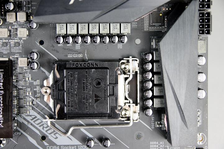 定位為中階產品的技嘉科技Z490 AORUS ELITE AC主機板,採用12+1相直出、全數位VRM供電設計。