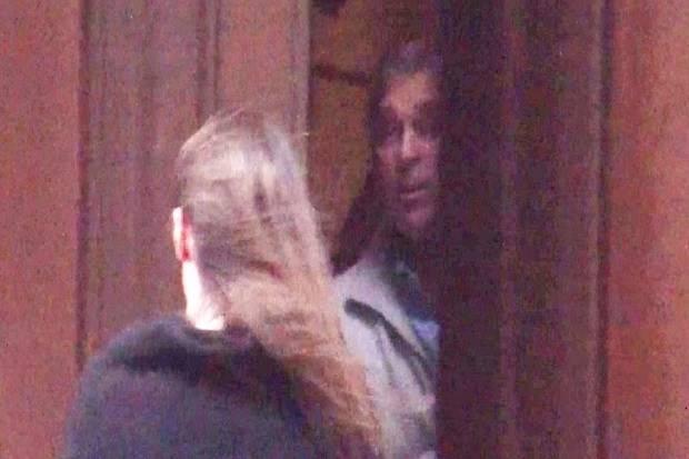 Video Pangeran Inggris di 'Rumah Seks' Epstein Memaksa Istana Bicara