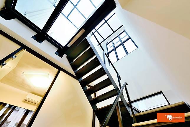 造型搶眼的階梯