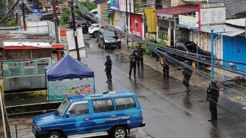 Kotak Bertuliskan 'Islam X' Gegerkan Warga Makassar, Jibom Brimob Turun Tangan (1)
