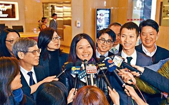 會計師公會理事選舉,六名民主派全部當選,當中包括李淑儀(左一)及李健恆(右二)。