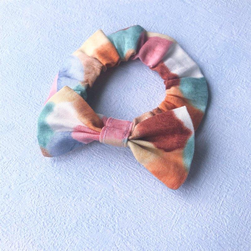 ◆ 選用嬰兒專用柔軟鬆緊繩製作,不勒頸 ◆使用日本材料,設計師手工製作 ◆尺寸可訂製,請私訊設計師:)