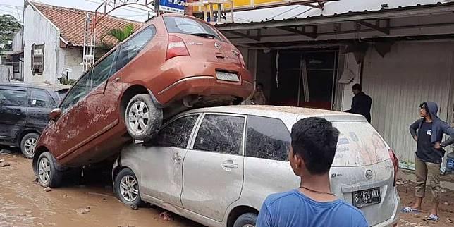 Pengakuan Warga Pondok Gede Permai yang Mobilnya Hanyut: Kami Enggak Nyangka!