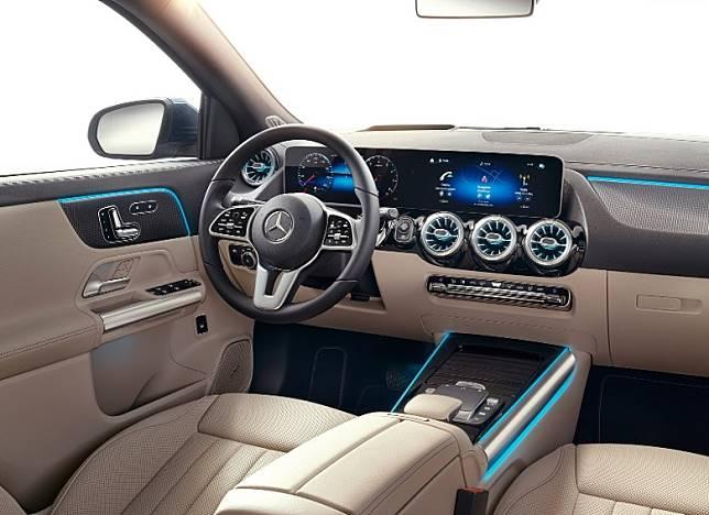 車廂布局豪華舒適,高階版本中控台將配上兩個10.25吋觸控式螢幕。(互聯網)