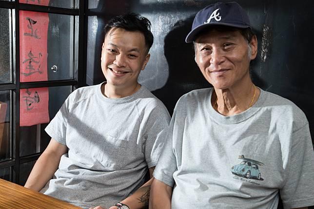喜翔(右)誇讚「蚵豐村」導演林龍吟(左)非常用心且才華洋溢。記者陳立凱/攝影