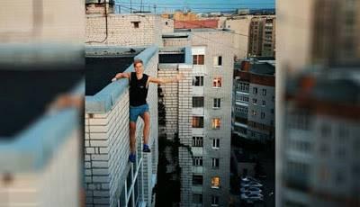Andrey Retrovsky sesaat sebelum jatuh dari gedung lantai sembilan. Kredit gambar: drewsssik / Instagram