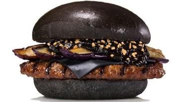 漢堡王日本再玩創意,全紅與全黑漢堡上演武士、將軍戲碼