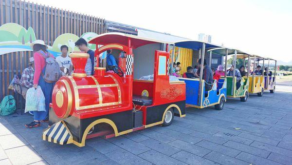 【三重景點】大都會公園希望小火車,假日限定!親子旅遊必玩小火車景點,真實體驗完整介紹,購票地點、攻略完整一次介紹