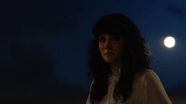 Suzzanna ala Luna Maya di kegelapan