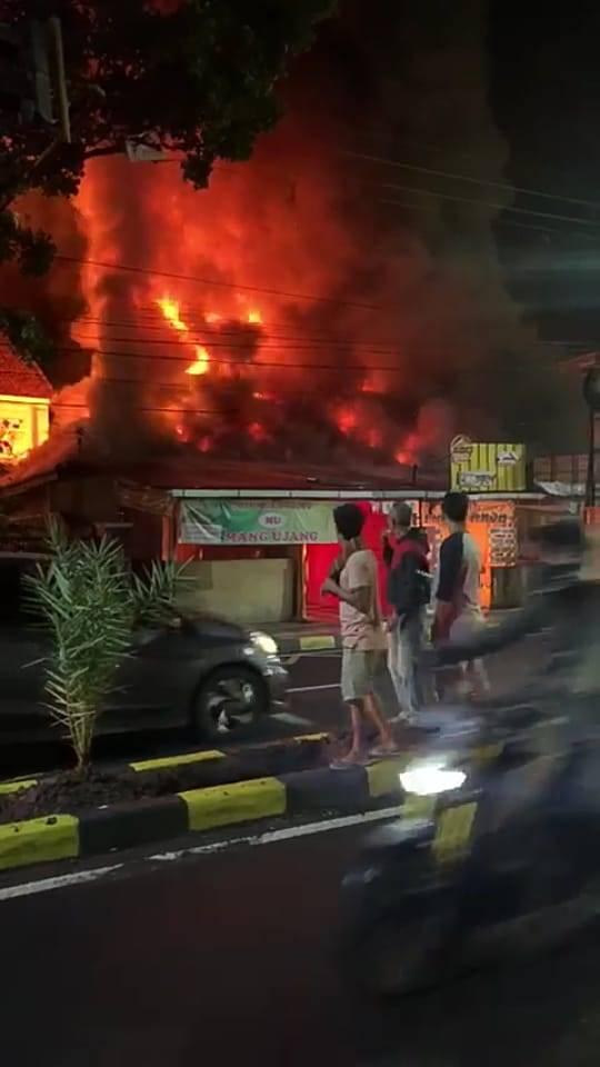 Breaking News: Warung Nasi di Cianjur Kebakaran
