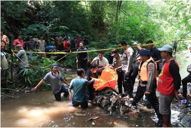 Tengkorak kepala pelajar Astrid, korban penculikan dan mutilasi pelaku Yo, seorang sopir angkot di Bengkulu. (KOMPAS.COM/FIRMANSYAH)  Artikel ini telah tayang di Kompas.com dengan judul