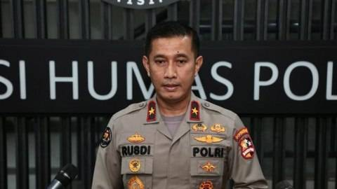Polri Antisipasi Masuknya Vaksin Palsu COVID-19 ke Indonesia (1)