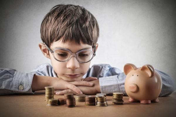 Kapan Saat Tepat Memberi Uang Jajan buat Anak?