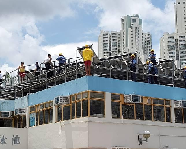 消防及警員正進行遊說。梁國峰攝