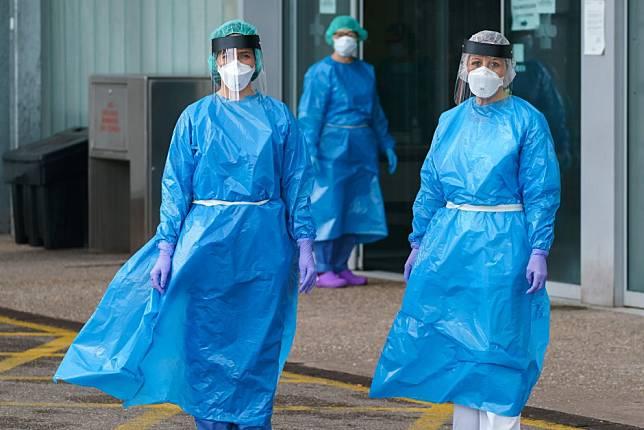 Spain's health workers overburdened and undersupplied in coronavirus fight
