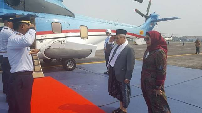 Naik Heli Super Puma, Maruf Hadiri Maulid Nabi dan Haul Ayahanda di Banten