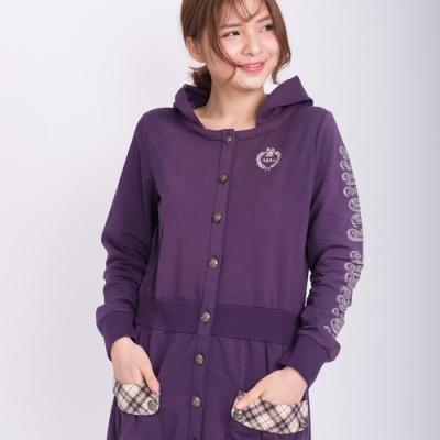【Kinloch Anderson金安德森女裝】連帽徽章前貼袋外套 紫