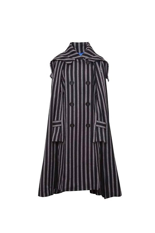 Atsuro Tayama黑色間條乾濕褸 原價HK$19,995 特價HK$599(互聯網)