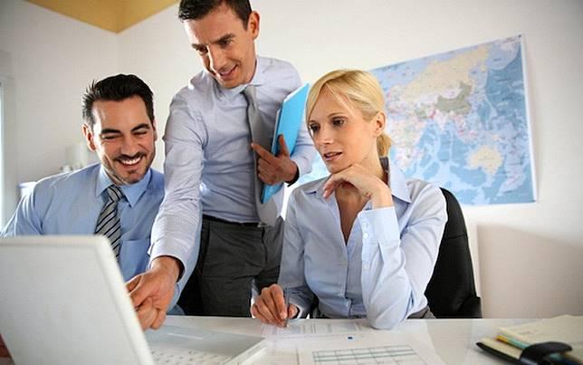 7 Tanda si Bos Terkesan dengan Kerjaanmu, Nomor 4 Jangan Salah Sangka