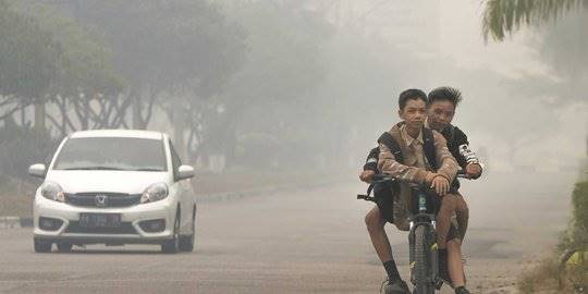 Asap kebakaran hutan di Kalimantan. ©TRI ISWANTO/AFP