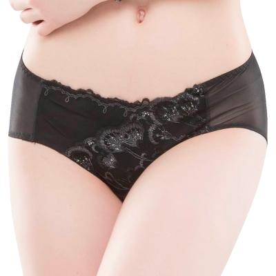思薇爾 羽戀之迷Ⅱ系列M-XXL蕾絲刺繡中腰三角內褲(黑色)