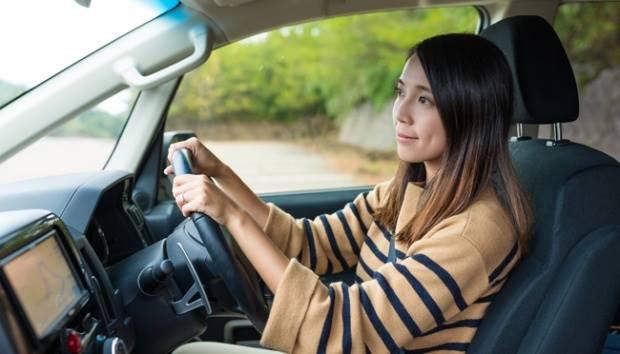 Ilustrasi wanita mengemudi. shutterstock.com