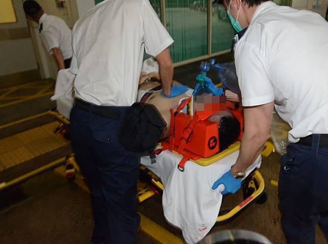 港島東面白排有舢舨翻側,獲救男子半昏迷送院,經搶救後不治。
