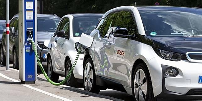 Ilustrasi mobil listrik (Bosch)