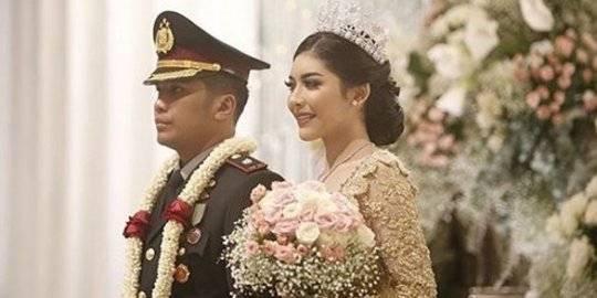 Ini Foto Foto Resepsi Pernikahan Kapolsek Di Hotel Mulia Saat Bahaya Virus Corona Merdeka Com Line Today