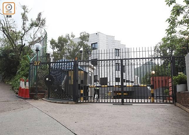美國總領館承認招標出售南區壽山村道37號物業。(袁志豪攝)
