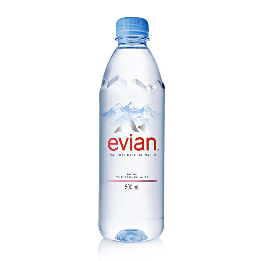 evian天然礦泉水,含有均衡的鈣、鎂及碳酸氫鹽等豐富礦物質,口感清冽,安全健康.